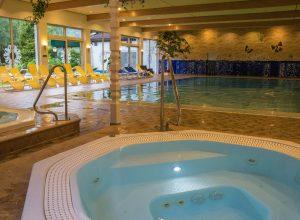 jaccuzi-piscine-hotel