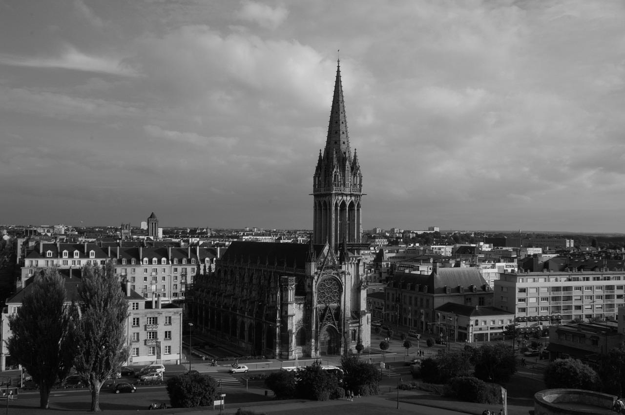 La chaleureuse ville de Caen vous accueille